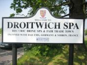 n9-droitwich-sign